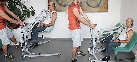 Carrello mobile accessorio smontabile per uso in ambienti for Piani domestici accessibili per disabili